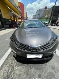 Toyota Corolla bem conservado