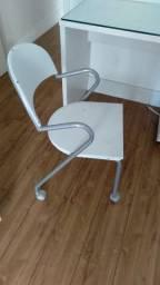 Cadeira com rodinha Tok Stok