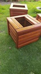 Cachepôs de madeira  30x30