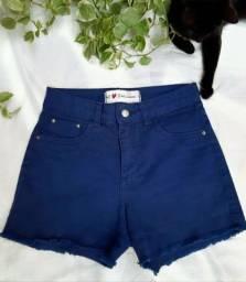 Shorts azul escuro