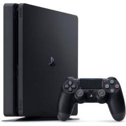 PS4 com um controle e 5 jogos de mídia física