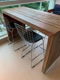 Mesa com 4 banquetas para área de lazer/churrasqueira