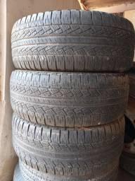 3 pneus Scorpion 265/65/17 .1 pneu 205 r /16