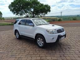 Toyota Hilux SW4  2010 4x4 7 lugar <br><br> 4 x 4; Ano 2010 7 lugar