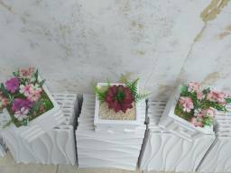 Vasinhos  de gesso decorativo