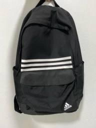 Vendo mochila Adidas