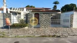 Casa à Venda com 4 quartos nos Capuchinhos, Feira de Santana/BA