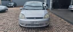 Fiesta sedan 1.0 05/06 completo