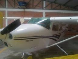 Aeronave Skylane 182