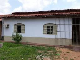 Alugo boa casa R$ 650,00, na rua recife, belo horizonte, 3 quartos com garagem
