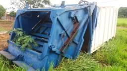 Compactador de lixo - 2001
