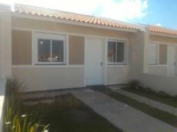 Casa pro início do Ano em Esteio, 2 dormitórios, 2 vagas para carro e pátio