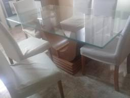 Vendo mesa de madeira com tampo de vidro