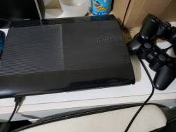 PS3 Super Slim 500Gb +2 controles originais + 11 jogos