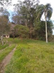 Casa (germinada) no Campestre próximo a barragem