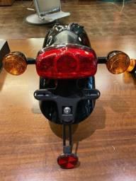 Paralama traseiro original com piscas e lanterna Triumph Bonneville T109
