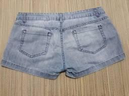 Short jeans tamanho 42.