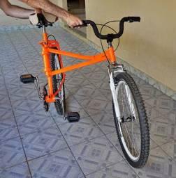 Bike lacraia ou maria mole