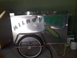 Carrinho para venda de milho verde