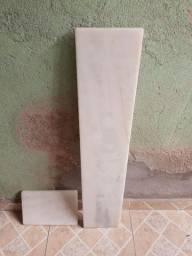 Pedra de mármore branco para balcão seminova