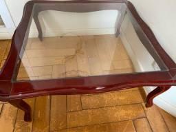 Mesinha de madeira com vidro