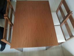 Mesa de cozinha MDF + cadeiras