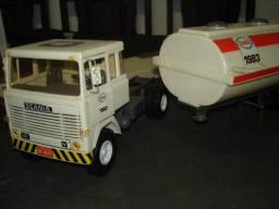 Caminhão Tanque Elka
