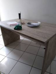 Mesa de material projetado!