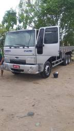 Ford Cargo 2428 ano 2011