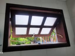 Basculante usado em madeira tatajuba com vidro jateado 0,80x0,50