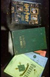 Box dvd harry potter +a biblioteca de hogworts 3 livros