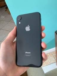 iPhone XR preto- 64GB, praticamente novo!