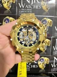 Relógio Invicta Venon skeleton preto banhado a ouro novo