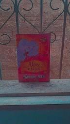 Vendo Livro 'Além da Magia'