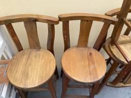 Vendo mesa .. cadeiras .. maquina