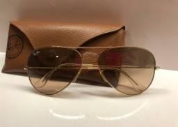 Óculos RayBan dourado