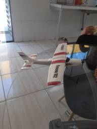 Vendo aeromodelo CESNNA. 160 reais preço negociável