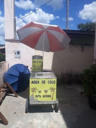 Carrinho de coco em no. Estado