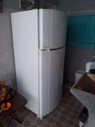 vendo geladeira frost free Consul usada