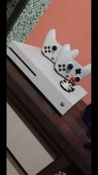 Vendo Xbox one S 1tb ou troco por play