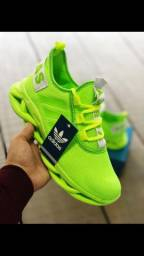 Tênis Adidas Yeezy Novos