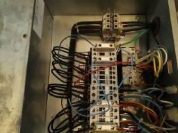Painel elétrico trifásico