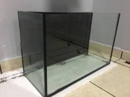 Vendo aquário 70 de comprimento por 45 de altura