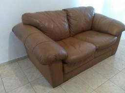 Sofa 2 lugares em Couro ( Semi Novo )
