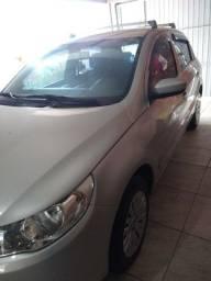 Automóvel Gol G5, básico 4 Portas, Cor Prata com Trava èlétrica/Alarme
