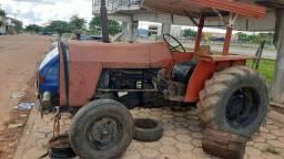 Trator e carreta agrícola