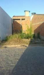 Terreno localizado no antigo loteamento Vasconcelos