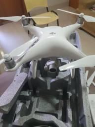 Troco drone phantom 4 bem conservado