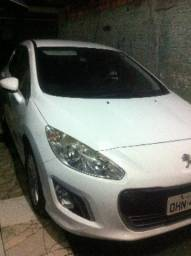Peugeot 308 e Logan completos - 2013