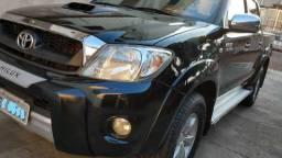 Toyota Hilux cd SRV automatica 4x4 top de linha Turbo diesel u.Dono impecavel - 2011